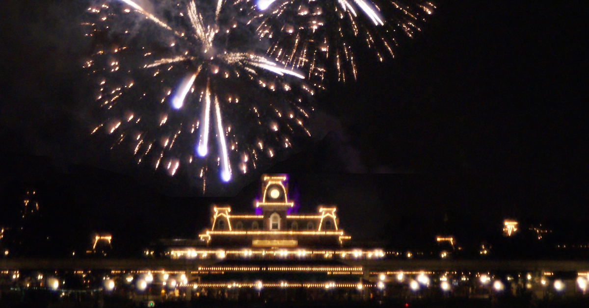 Wishes Fireworks Off To Neverland Travel Disney Vacations